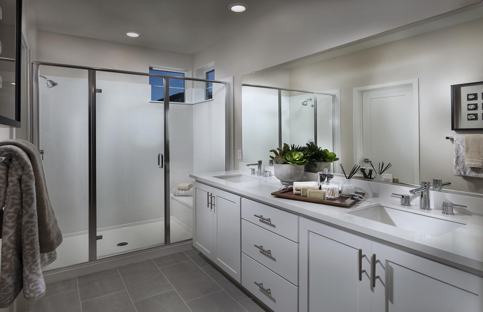 Owner's Bath Residence 4 | Downing at Boulevard by Lennar, Dublin, CA