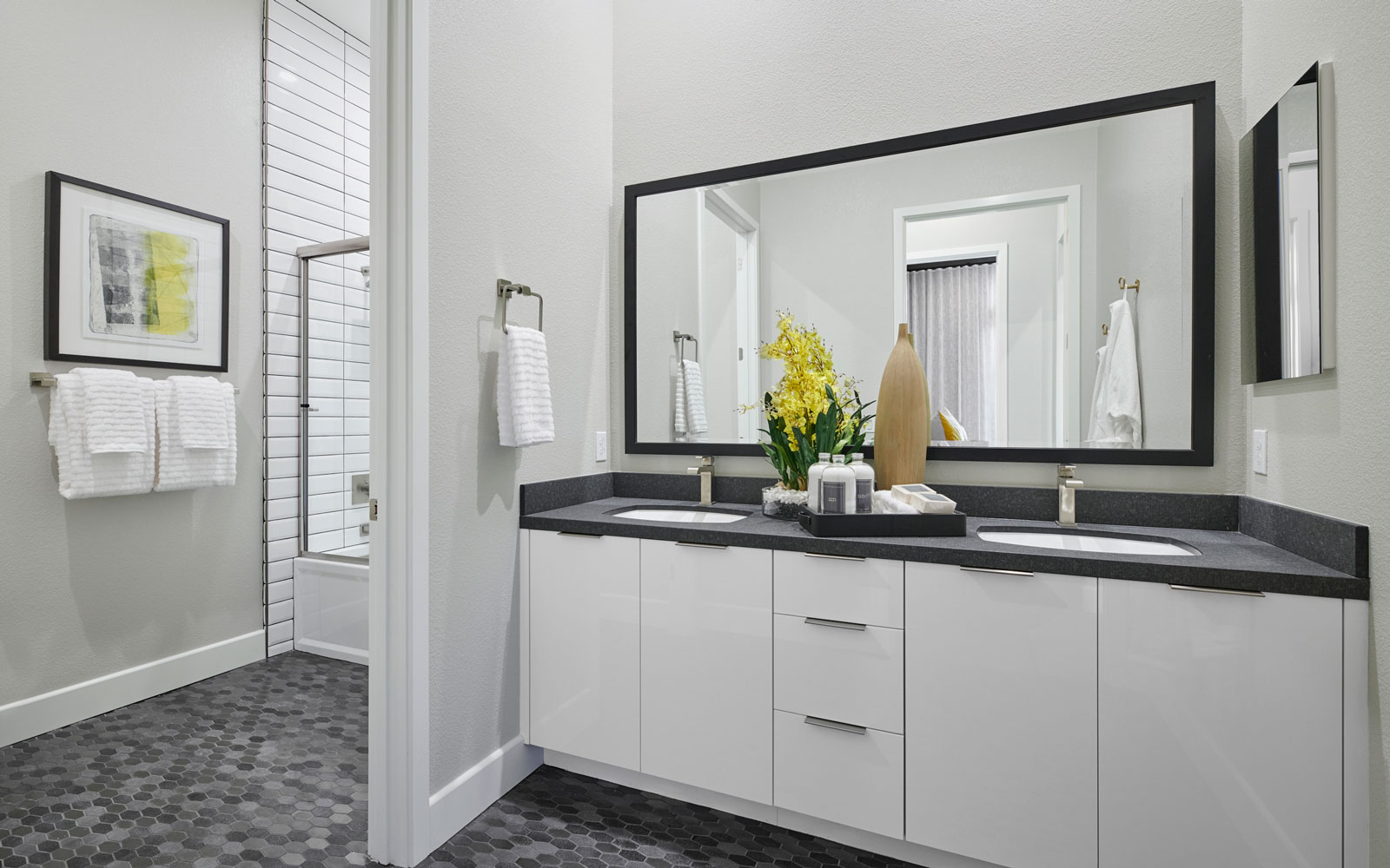 Bath 2 | Residence 2 | Hyde Park at Boulevard in Dublin, CA | Brookfield Residential