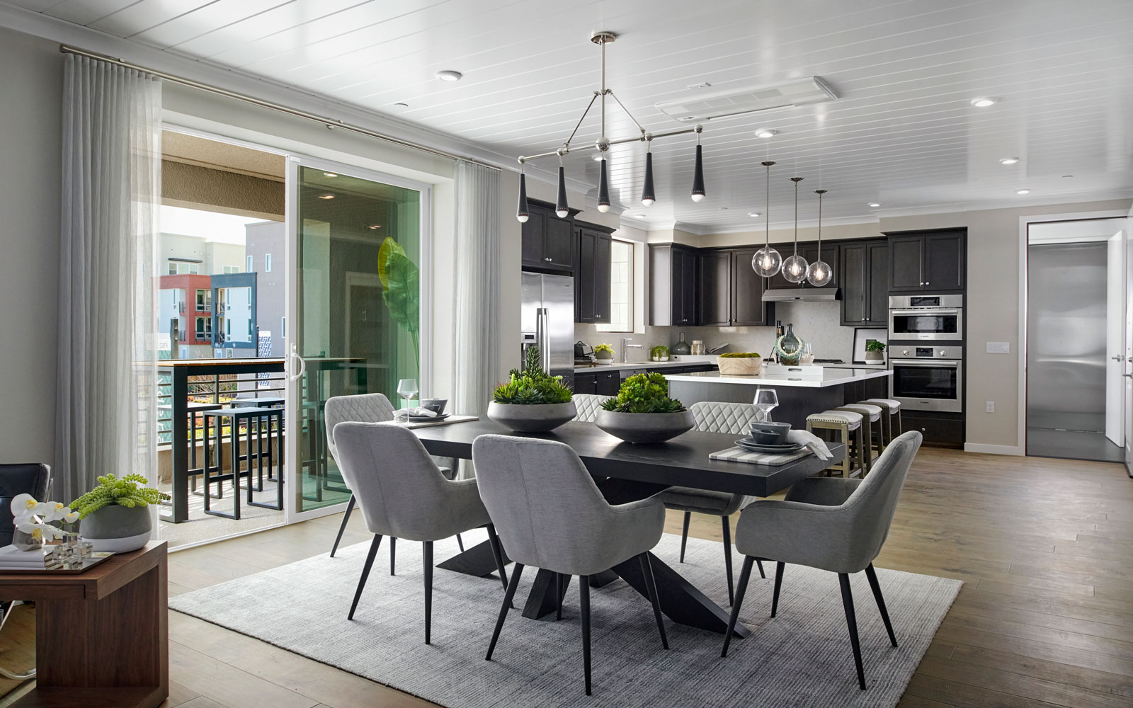 Dining   Residence 1   Hyde Park at Boulevard in Dublin, CA   Brookfield Residential